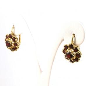 Orecchini pendenti in stile fiori oro e granati - 2 cm; 7 gr.