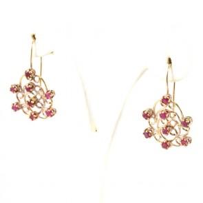 Orecchini pendenti in stile oro e rubini - 1-1.1 ct - 3.2 cm; 5.1 gr.