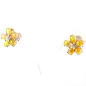 Orecchini al lobo fiore oro, opale etiope -5.25 ct- e diamanti - 0.36 ct; 7.4 gr