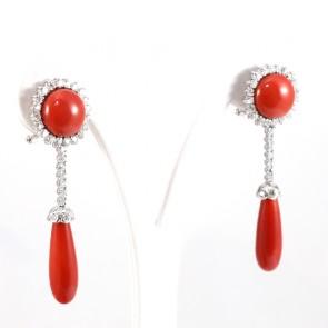 Orecchini pendenti oro, corallo rosso e diamanti -1.44  ct; 14.3 gr; 5.3 cm