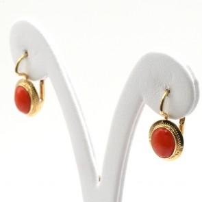 Orecchini in stile oro e ovali di corallo rosso - 3.4 gr; 2 cm
