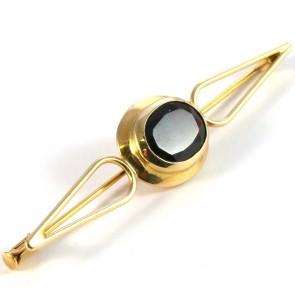 Spilla in stile, oro e granato - 4.64 gr; 5.8 cm x 1.3 cm