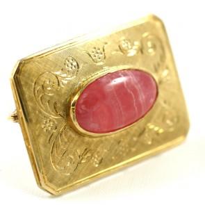 Spilla in stile rettangolare oro inciso e rodocrosite -  12,7 gr